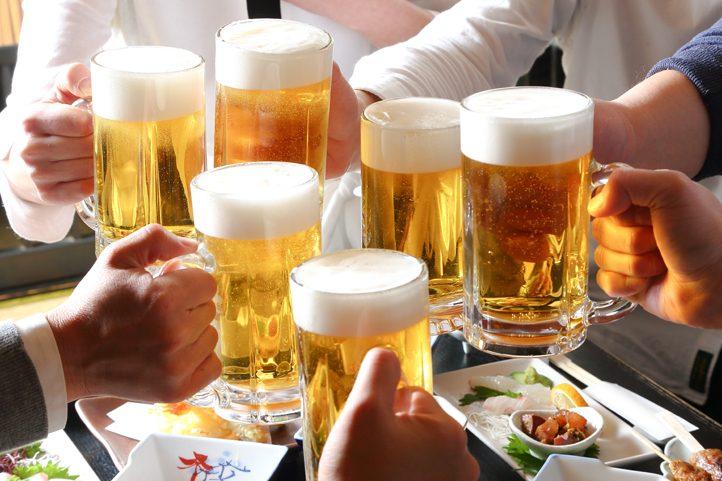 ガールズバーのお客さんはお酒好き?