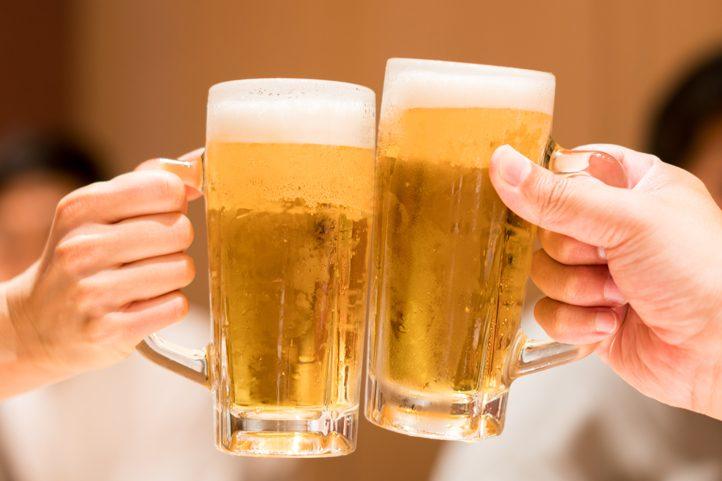 ガールズバーではお酒を飲むとお客さんは喜ぶ?